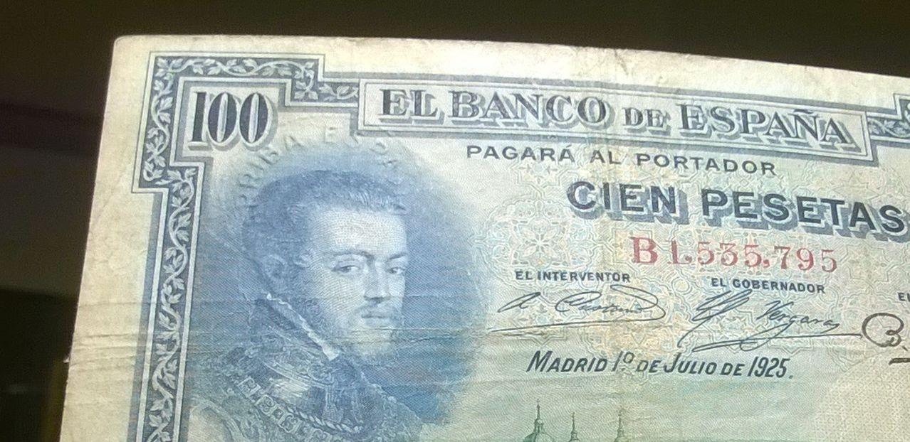 100 Pesetas 1925 (Tres sellos secos:Arriba España, Burgos y República) WP_20141221_019