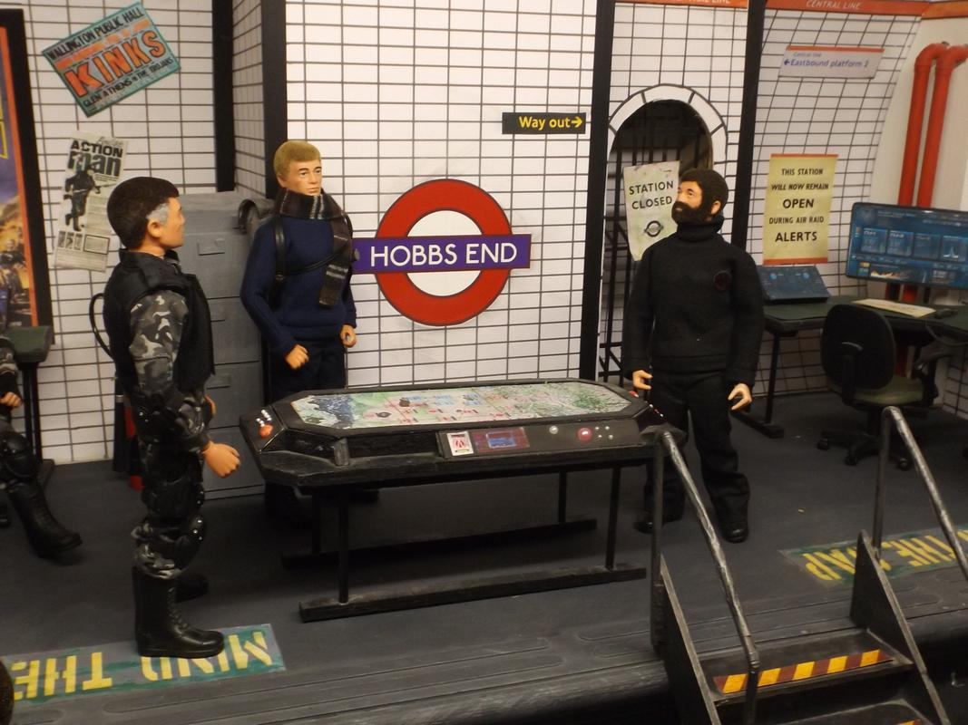 Tom K visits Hobbs End. DSCF5640