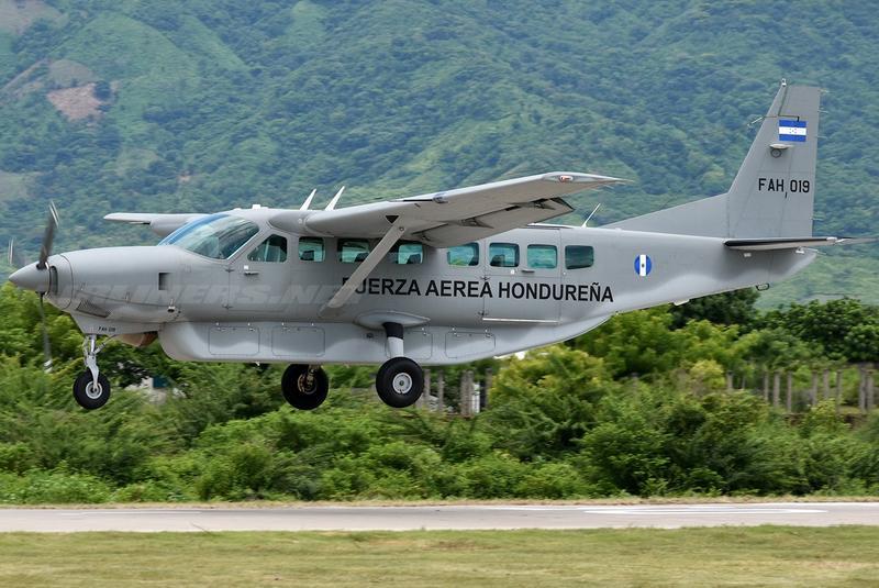 Fotos y videos de las FFAA de Honduras y equipos de los Bomberos - Página 2 4523919_1