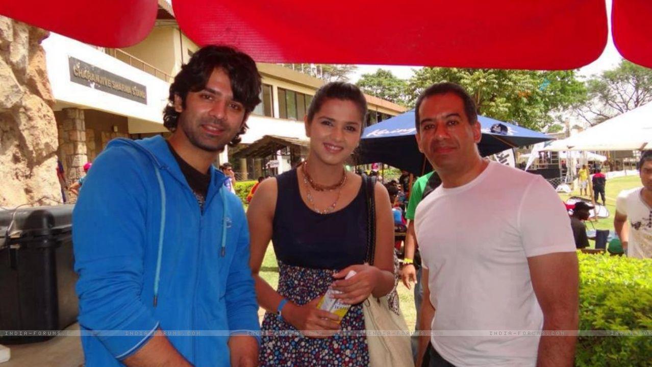 მსახიობები და მათი მეგობრები 294584_barun_sobti_and_daljeet_bhanot