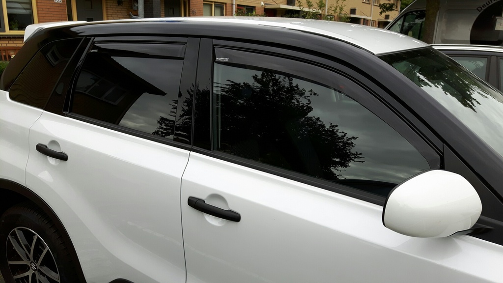 Wind deflectors  Black_white_climair_1