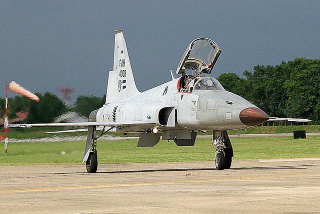 Fotos y videos de las FFAA de Honduras y equipos de los Bomberos My_Aviation_Net_Photo_ID02337323