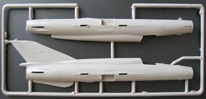 MiG 21 R MAC μεγαλο θεμα  200904281047_72213a