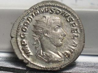 Antoniano de Gordiano III. VICTORIA AETERNA. Roma. SAM_3662