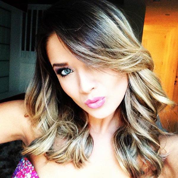 Kimberly Dos Ramos/ /კიმბერლი დოს რამოსი - Page 65 CJB2_Wu_XWw_AAE0_Cb