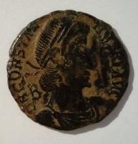 AE3 de Constancio II. FEL TEMP RE-PARATIO. Soldado romano alanceando a soldado caido. Ceca Roma. Bajo