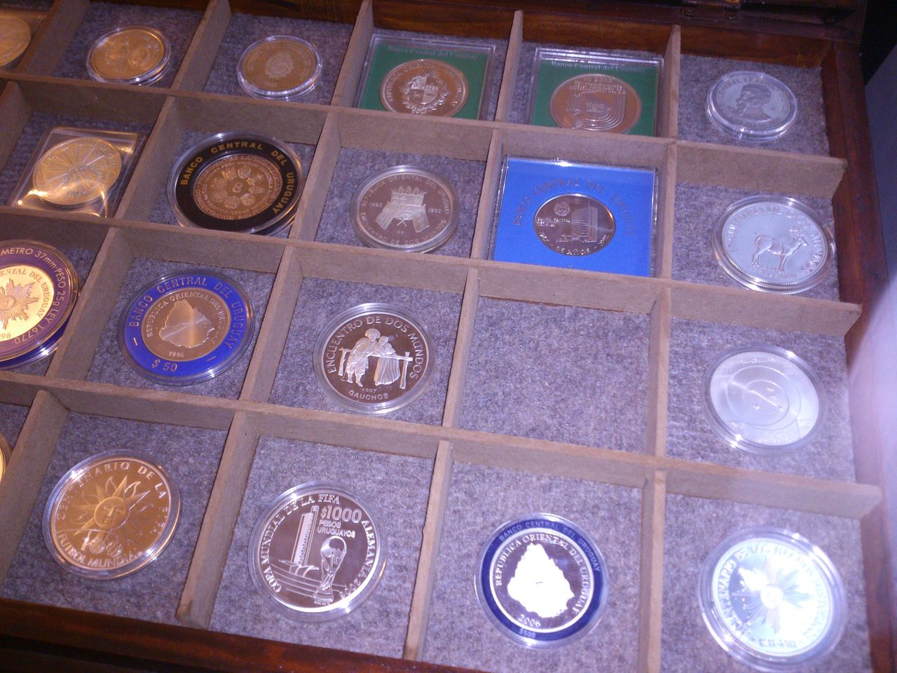 Monedas conmemorativas de Uruguay acuñadas en plata 1961 - Presente. IMG_20150905_WA0010