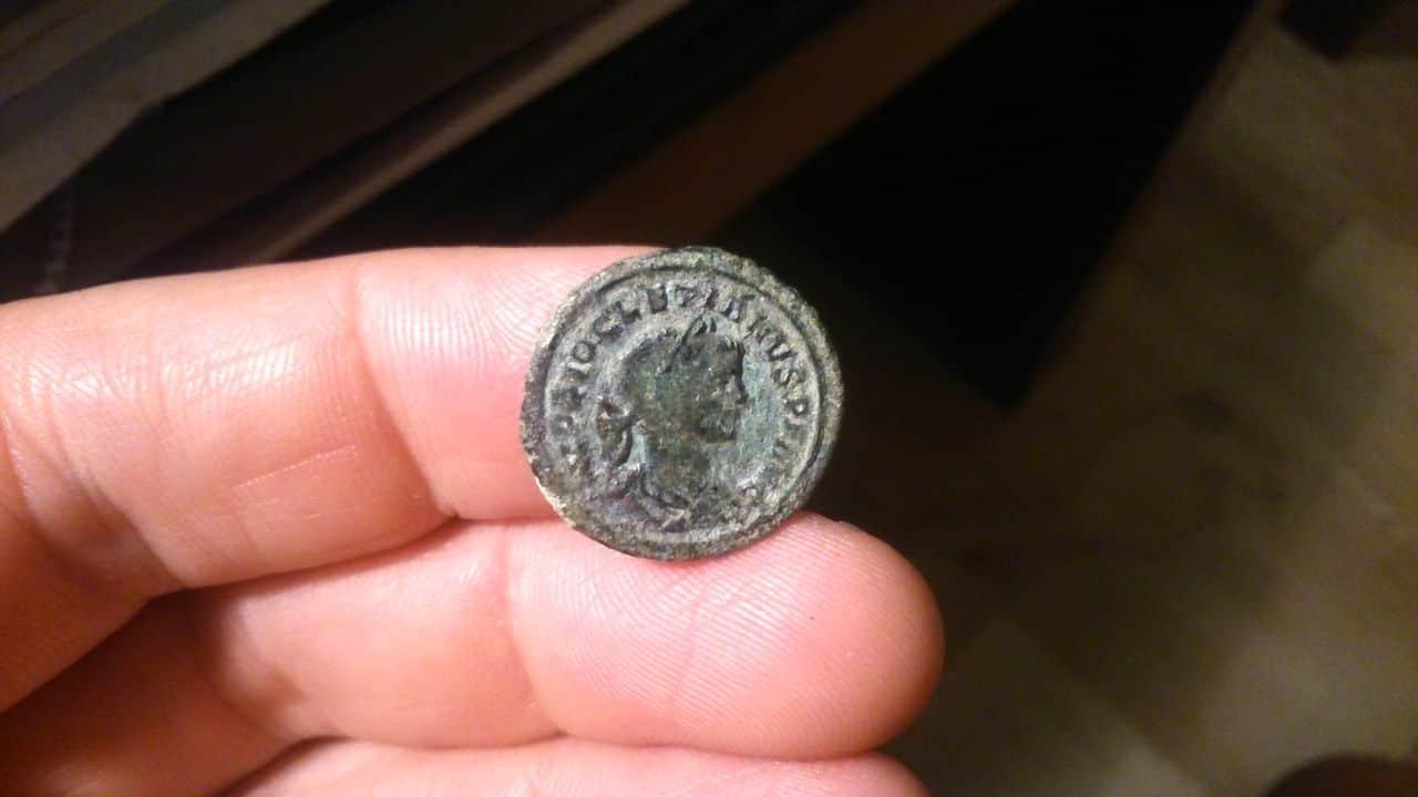 Denario de bronce de Diocleciano. IOVI CONSERVAT AVG. Roma. DSC_1365_1
