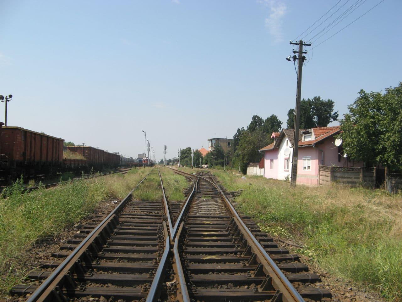 Calea ferată directă Oradea Vest - Episcopia Bihor IMG_0077