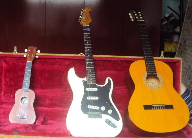 Thiago Almeida Guitar