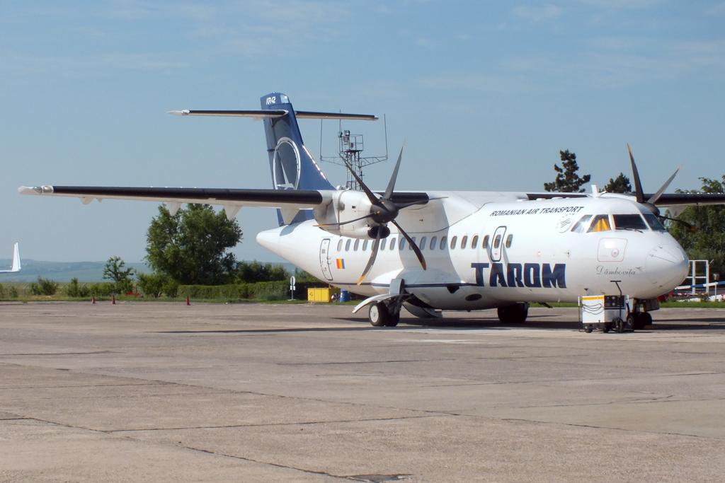 Aeroportul Suceava (Stefan Cel Mare) - Iunie 2012  DSCF2837