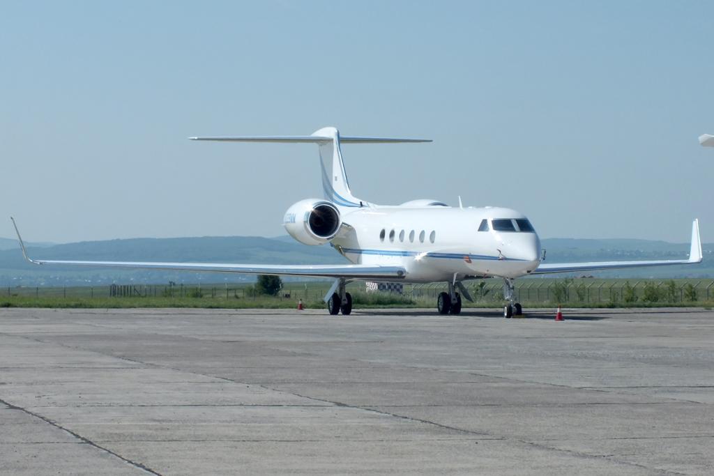 Aeroportul Suceava (Stefan Cel Mare) - Iunie 2012  DSCF2835