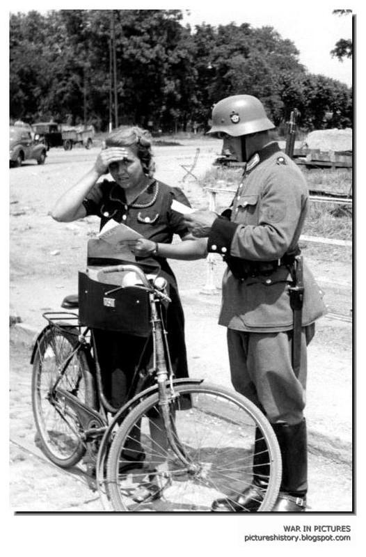 ¿Motor trasero o delantero? Casa de Campo de Madrid y ciclismo. - Página 2 Second_world_war_ww2_pictures_images_photos_nazi