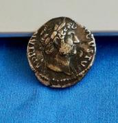 Denario de Adriano. COS III. Instrumentos sacerdotales. Roma IMG_5708