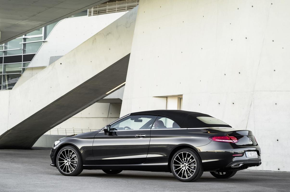 Classe C Coupé 2019 (facelift) Mercedes-_C-_Class-_Coupe-_Cabrio-44