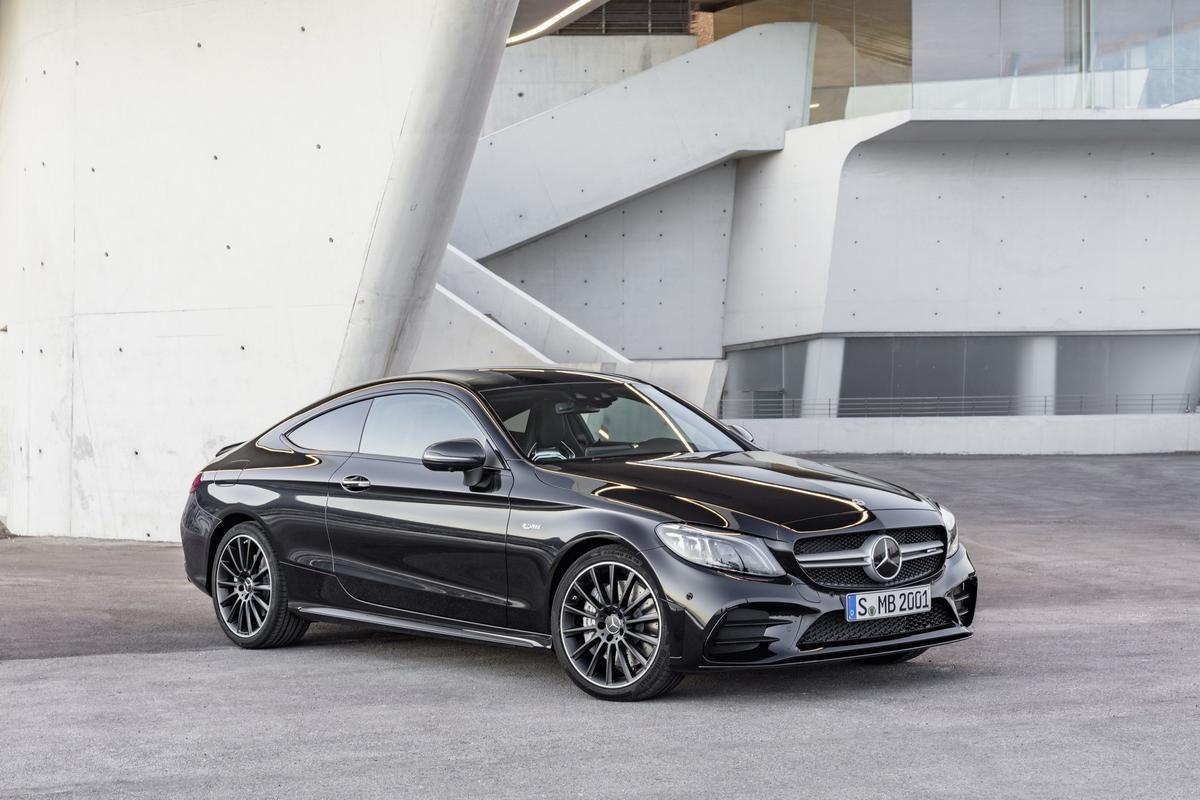 Classe C Coupé 2019 (facelift) Mercedes-_C-_Class-_Coupe-_Cabrio-13