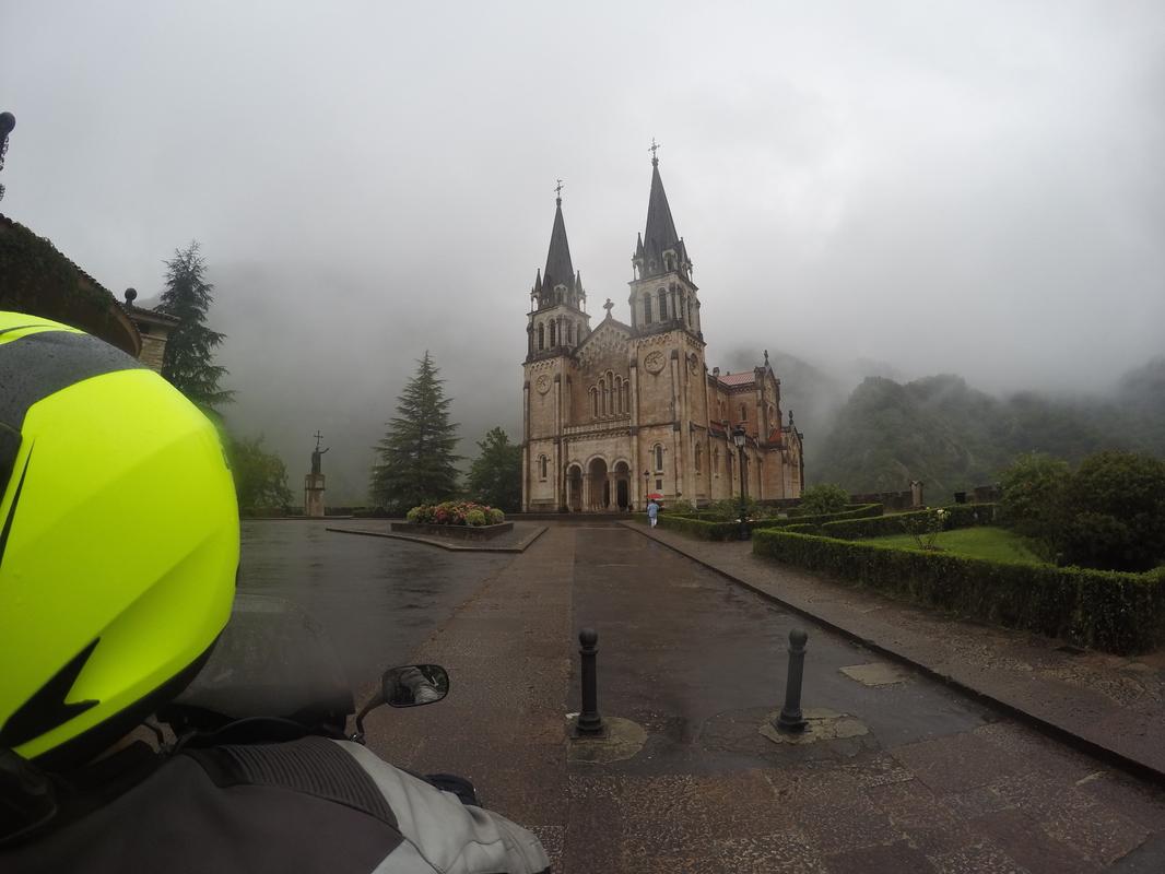 13 dias, Picos da Europa, Pirineus, Andorra, Barcelona e Madrid GOPR0735