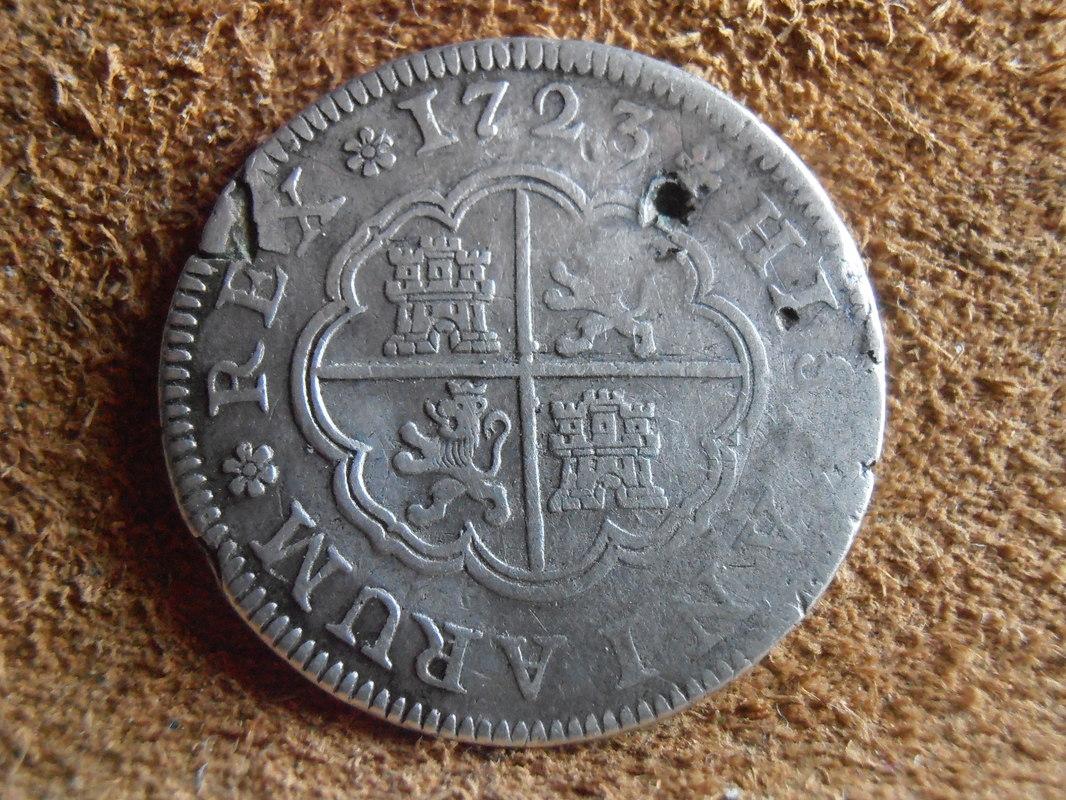 2 reales de Felipe V - Segovia: VARIANTES P4100011