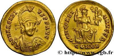AE3 de Arcadio. CONCORDIA AVGG. Constantinopla en trono. Constantinopla IMG_1709