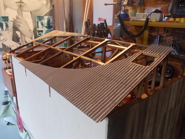 """Diorama: taller mecánico """"de toda la vida"""" escala 1/10 - Página 2 DSCN5120"""