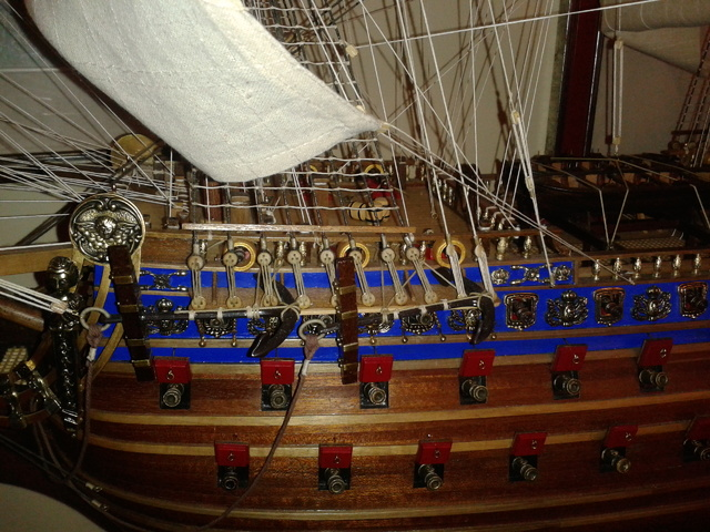 royal - I miei lavori terminati: Corazzata Bismarck, Soleil Royal, Victory. 20121225_123313