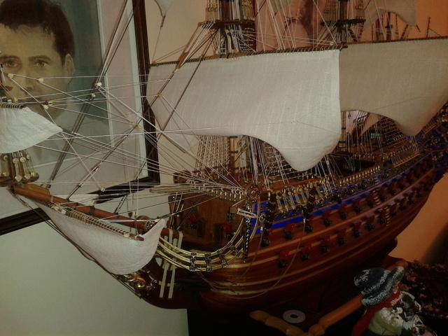 royal - I miei lavori terminati: Corazzata Bismarck, Soleil Royal, Victory. 20121225_123304