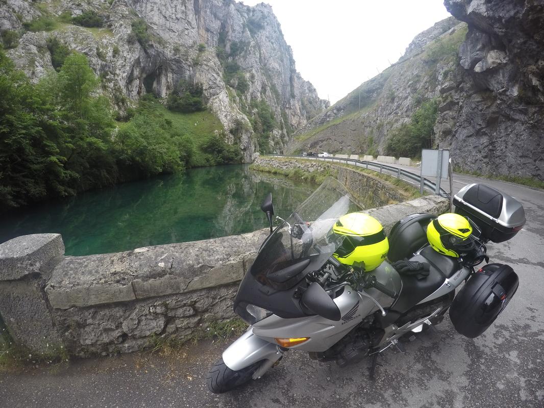13 dias, Picos da Europa, Pirineus, Andorra, Barcelona e Madrid GOPR0778