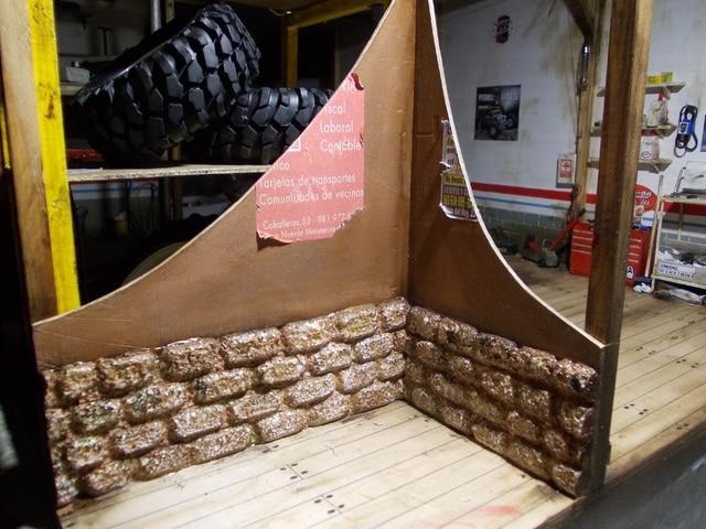 Diorama: garaje-taller crawler escala 1/10 - Página 2 DSCN1019