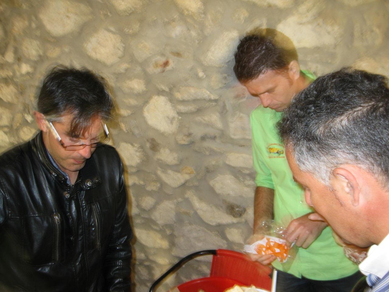 I EXPOSICIÓN Y CARRUSEL DE COCHES ANTIGUOS EN NERVA (H) IMG_4201