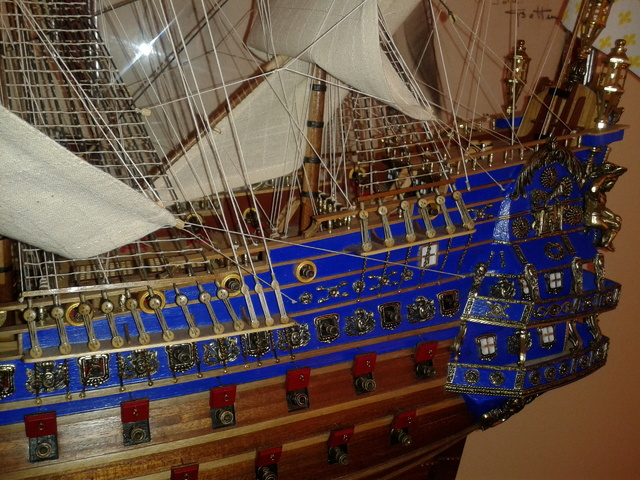 royal - I miei lavori terminati: Corazzata Bismarck, Soleil Royal, Victory. 20121225_123326