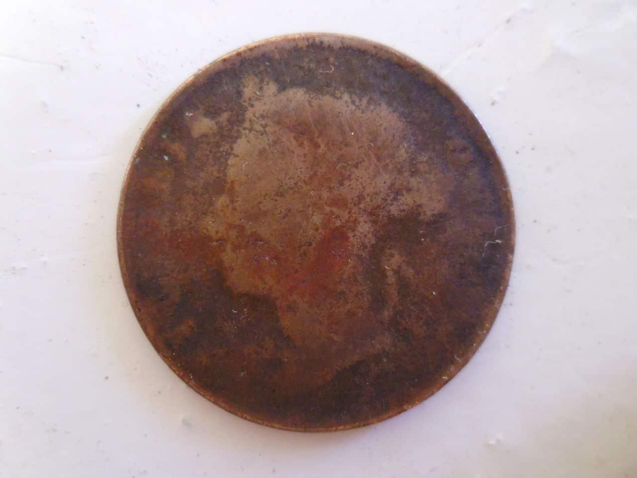 Moneda inglesa a identificar P1110689