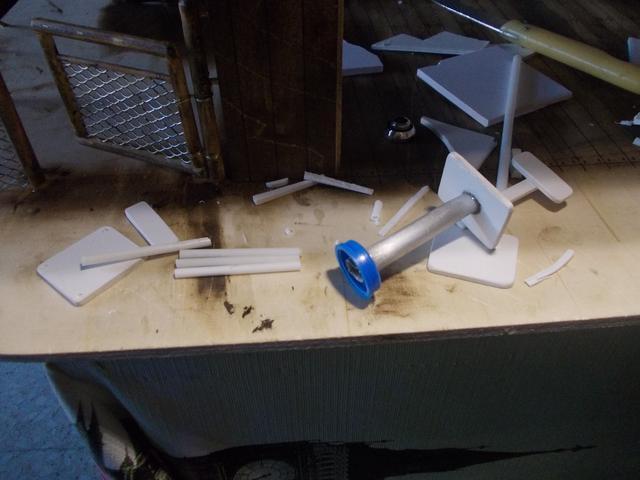 """Diorama: taller mecánico """"de toda la vida"""" escala 1/10 - Página 2 DSCN4902"""