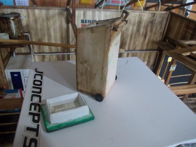 """Diorama: taller mecánico """"de toda la vida"""" escala 1/10 - Página 2 DSCN5042"""