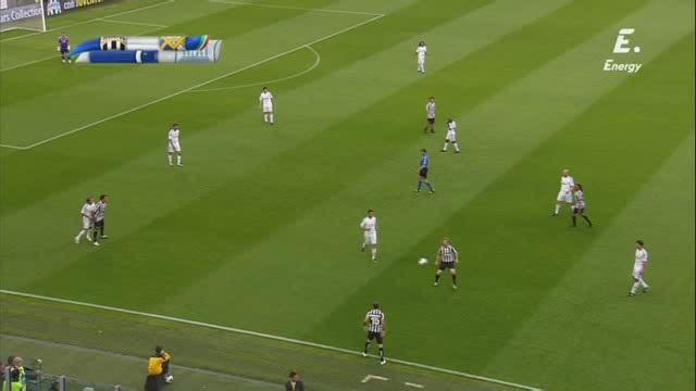 Unesco Cup 2014 - Juventus Leyendas Vs. Real Madrid Leyendas (360p) (Castellano) Image