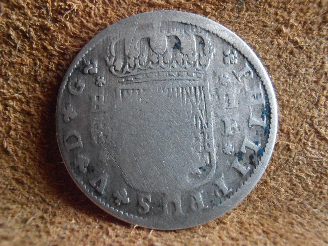 2 reales de Felipe V - Segovia: VARIANTES P4100008