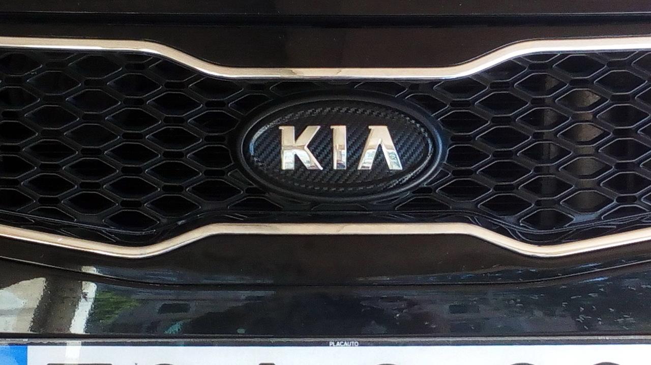Kia Cee'd ED 1.6 CRDI TX (04.2011)  - Página 13 Emblema_carbono_2