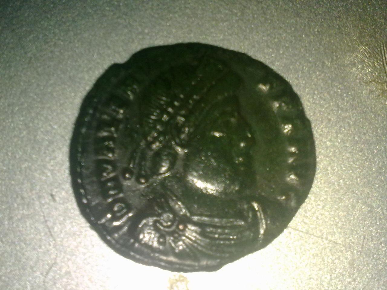 AE3 de Valente. GLORIA ROMANORVM.  Siscia Ddd_006
