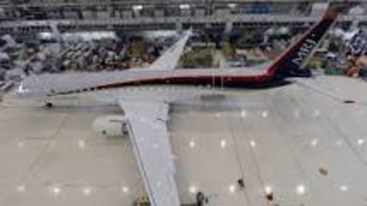 Japon lanza su primer Jet MRJ90 fabricado por Mitsubishi para competir a Bombardier y Embraer MRJ_MITSUBISHI_IMAGEN2