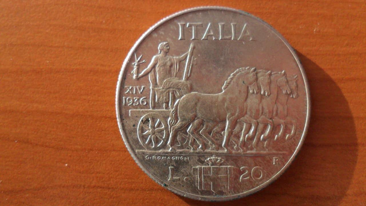 AYUDA !!! 20 lira 1936 Italia Picture_004