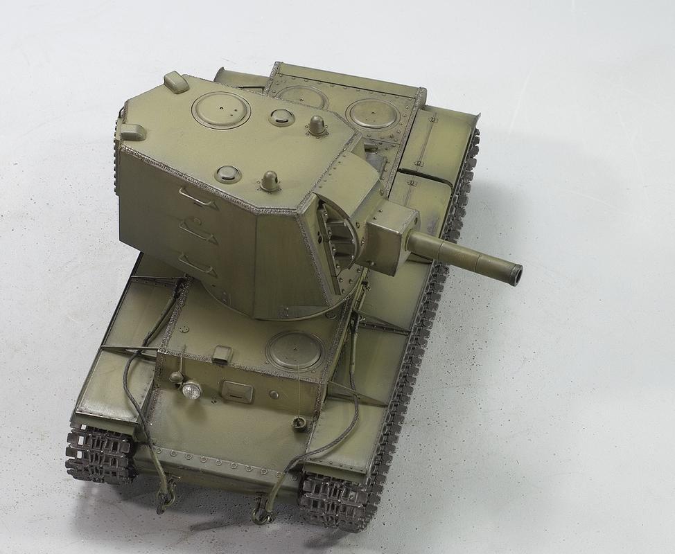 КВ-2 с башней МТ-1. Трумпетер 1/35 Image