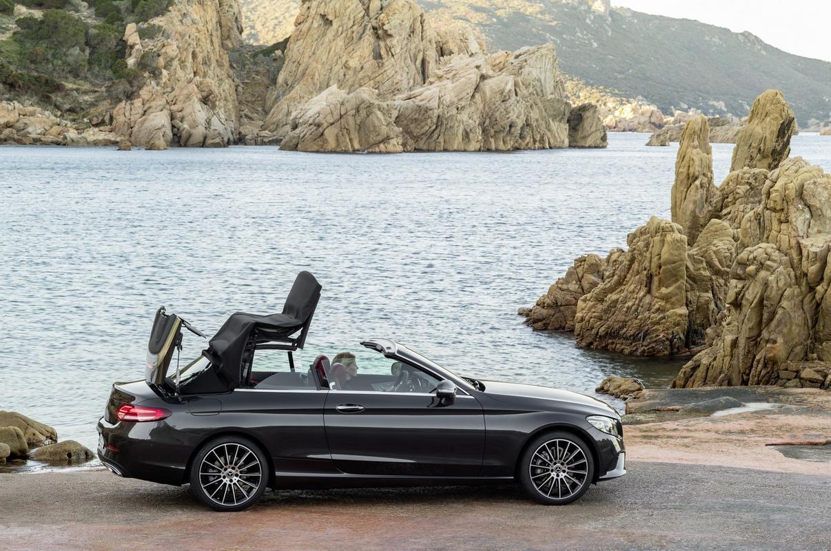 Classe C Coupé 2019 (facelift) Mercedes-_C-_Class-_Coupe-_Cabrio-59