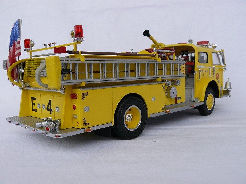 American LaFrance Eagle Fire Pumper 1:25 (Trumpeter) H2bx6mlz