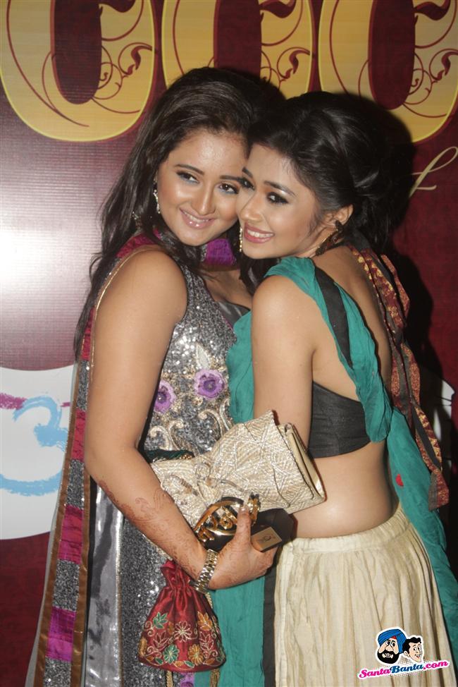 მსახიობები და მათი მეგობრები - Page 3 Uttaran_1000_episodes_celebrations_7