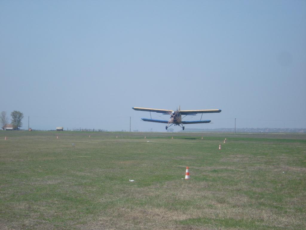 Antonov An-2 - Pagina 23 DSC08876