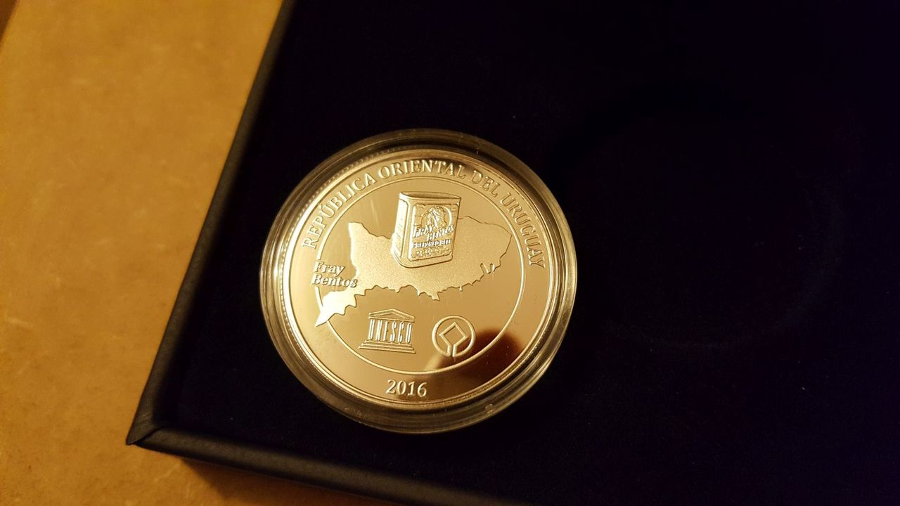 Monedas conmemorativas de Uruguay acuñadas en plata 1961 - Presente. - Página 2 20170706_221254