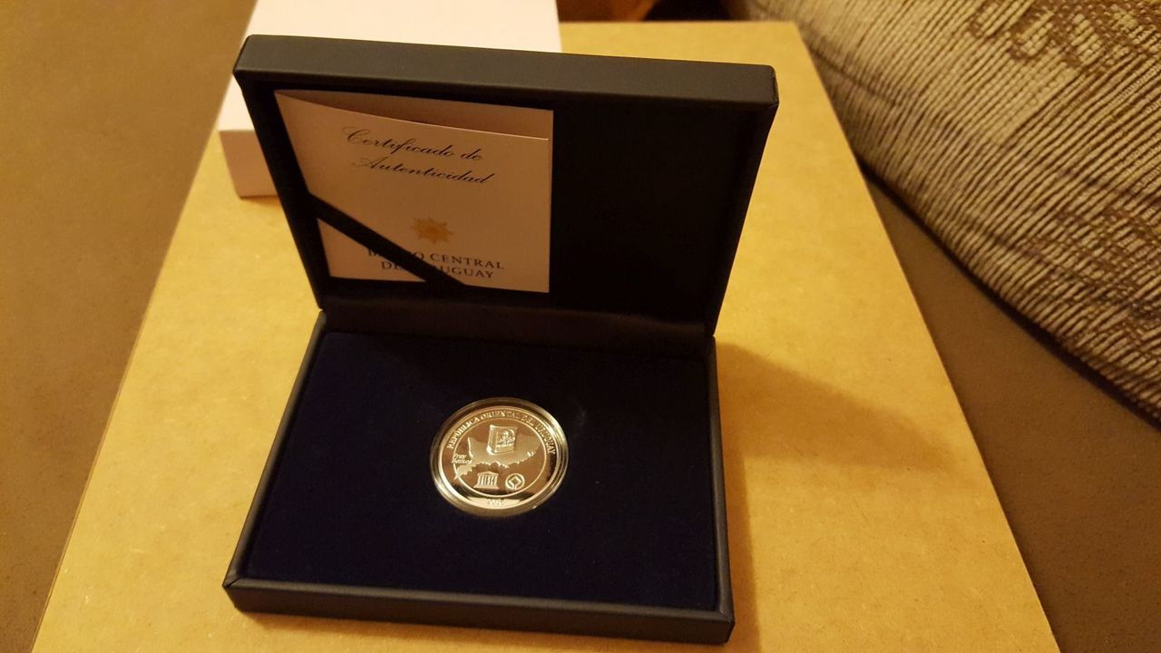 Monedas conmemorativas de Uruguay acuñadas en plata 1961 - Presente. - Página 2 20170706_221222