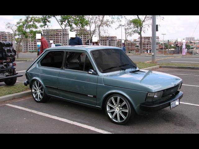 Auto Storiche in Brasile - FIAT - Pagina 2 Fiat_147_S_o_Paulo