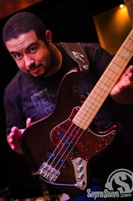 Mostre o mais belo Jazz Bass que você já viu - Página 8 Foto2_2