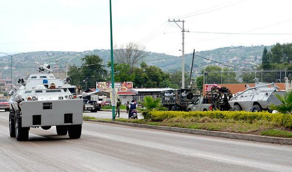 Guerrero - Vehiculos militares llegan a Guerrero para garantizar la eleccion - vehiculos sin matricula? Ejercito_vehiculos_guerrero_3