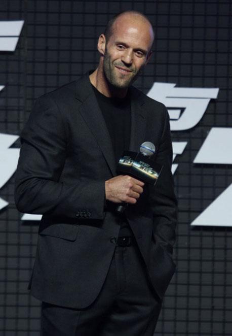 Vin Diesel - Página 5 Jason_statham_llega_al_estreno_de_fast_furious_7